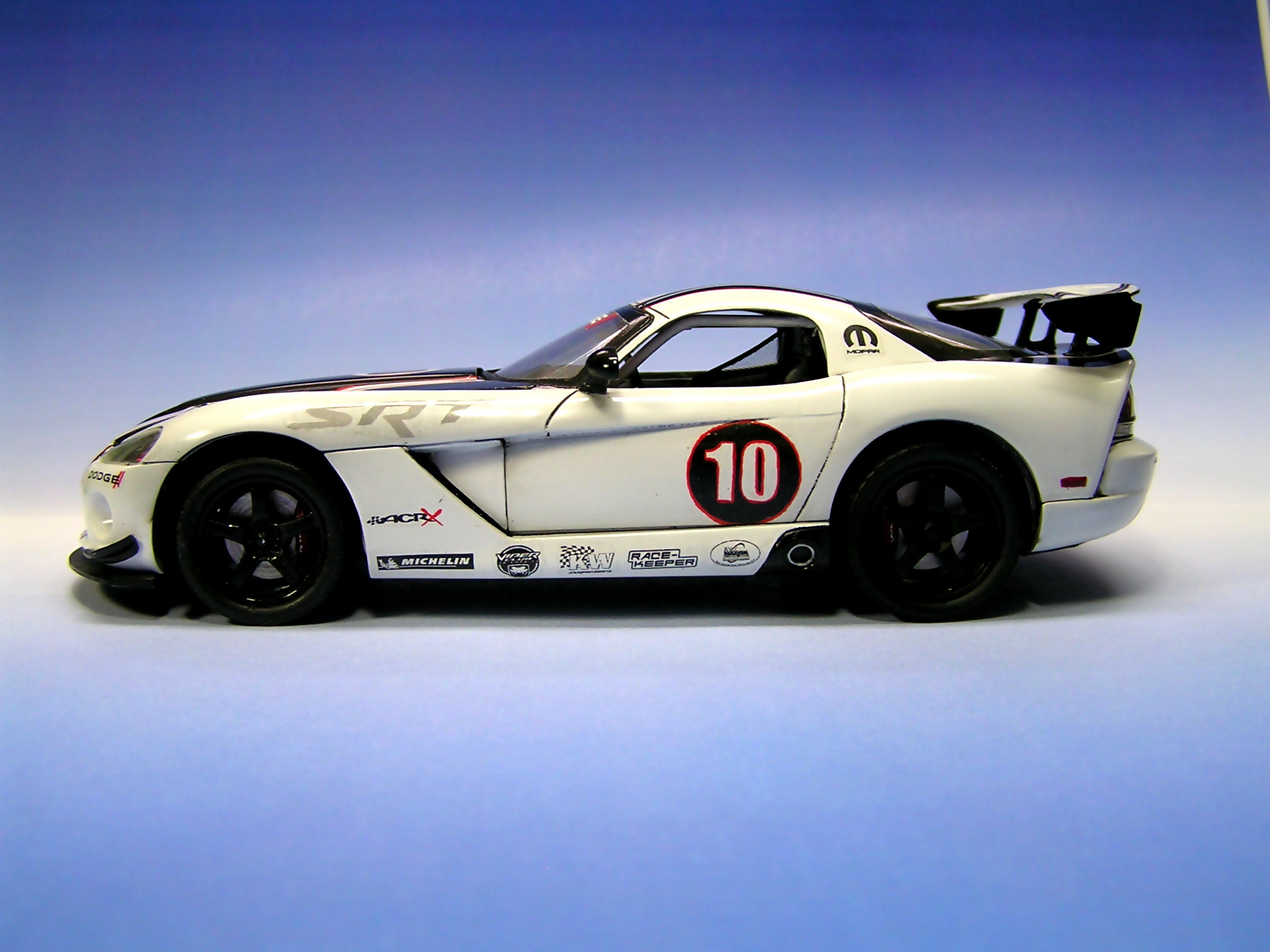 model Dodge Viper srt10 acr-x 2010 Revell 1/25